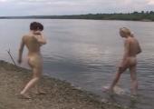 Geile Nudisten poppen am See