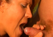 Milf beim Outdoor Piss Sex